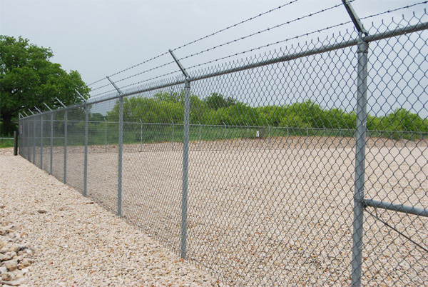 Chain link fencing garden fencing wholesale chain link for Boundary wall cost calculator